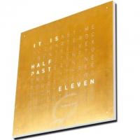 QLOCKTWO...die Uhr / Gold